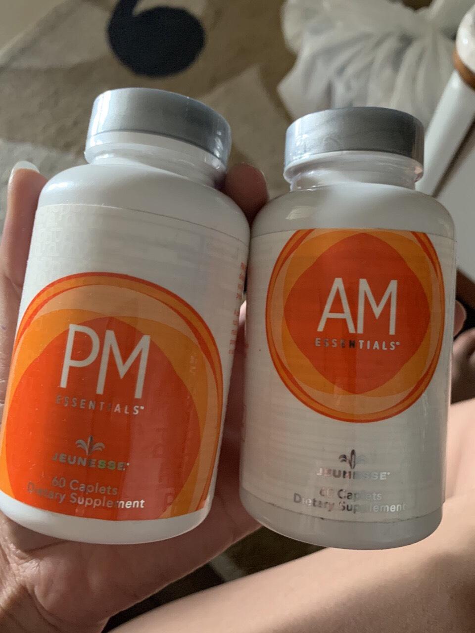 Trong đó, viên uống AM Essentials™ giúp bổ sung nguồn năng lượng cho các hoạt động vào ban ngày và cải thiện trí não. Còn với viên uống PM Essentials™ giúp bạn có một giấc ngủ thoải mái, thư thái vào ban đêm. Từ đó, giúp đẩy nhanh quá trình duy trì và tái tạo tế bào.